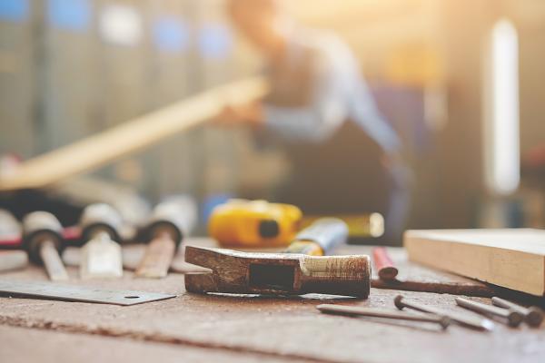高卒 職人 建設業 やりがい 工事 ボード工